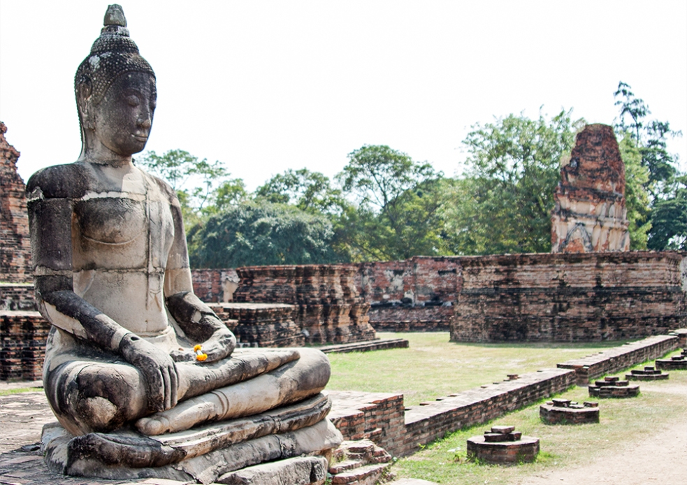 Estatua de Buda en el templo Wat Maha That de Ayutthaya