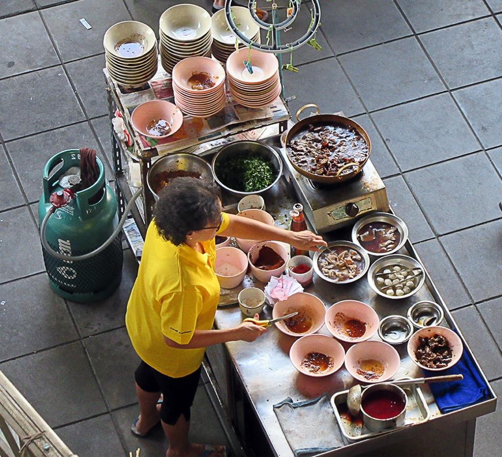 Puesto de comida callejera en Tailandia