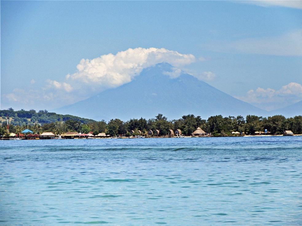 Vistas del Monte Agung desde Gili Air