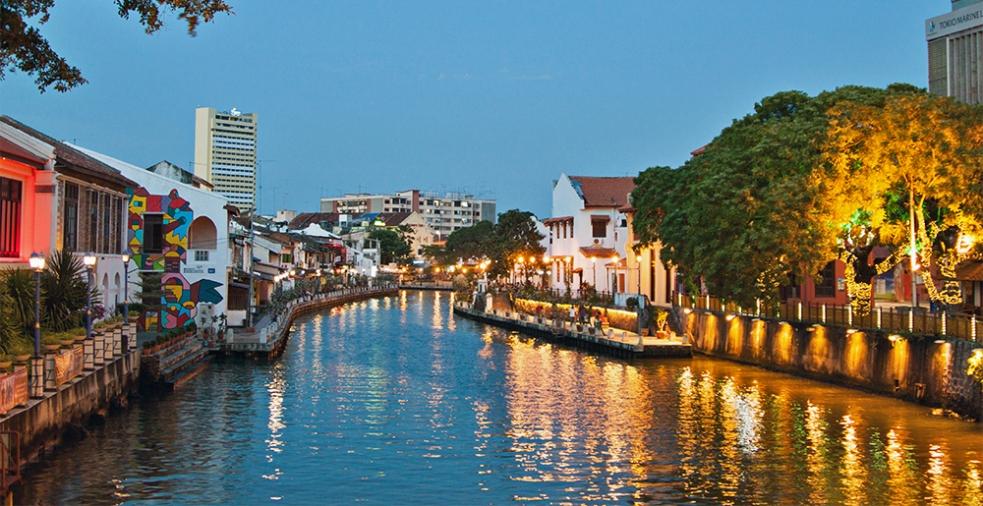 Río en Malaca, Malasia
