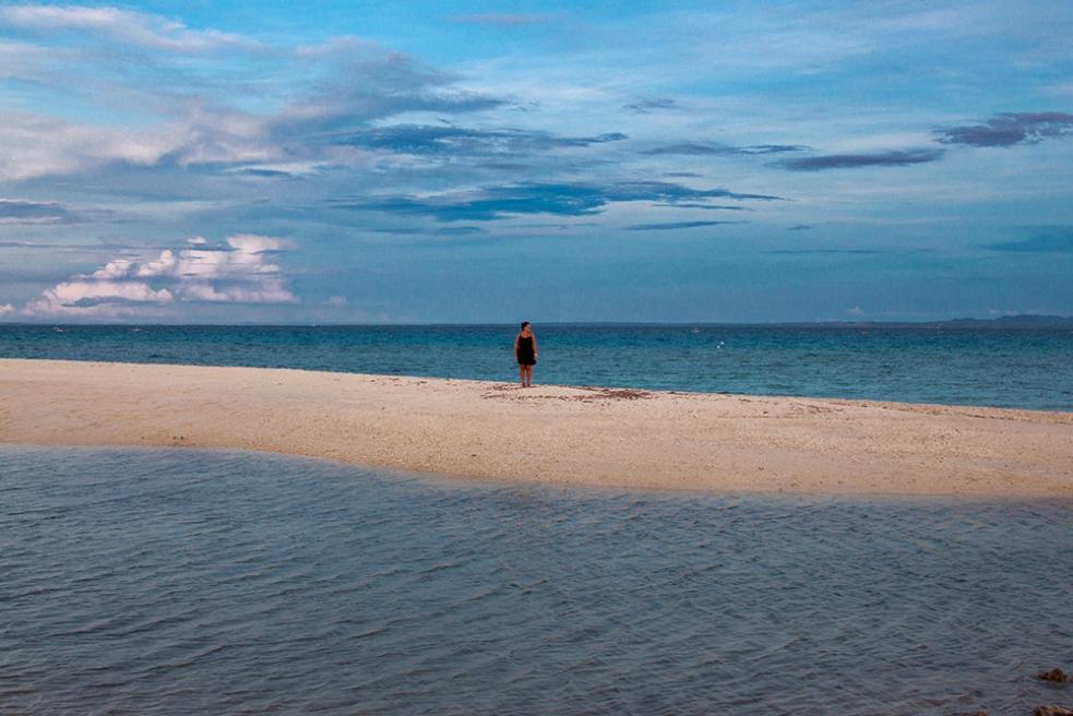 Playa en la isla de Bantayan, Filipinas