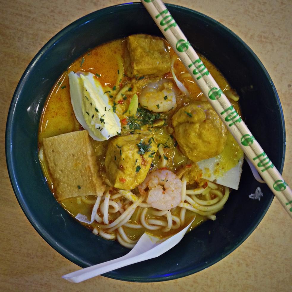 Laksa con gambas y tofu