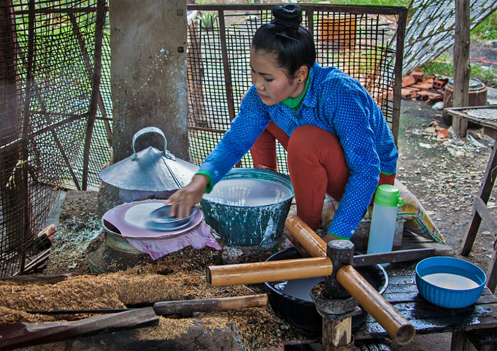 Fábrica artesanal de papel de arroz comestible