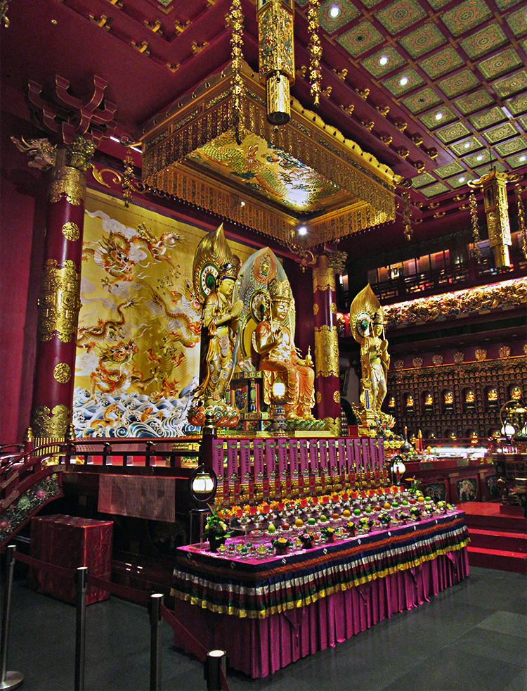 Interior del Buddha Tooth Relic Temple