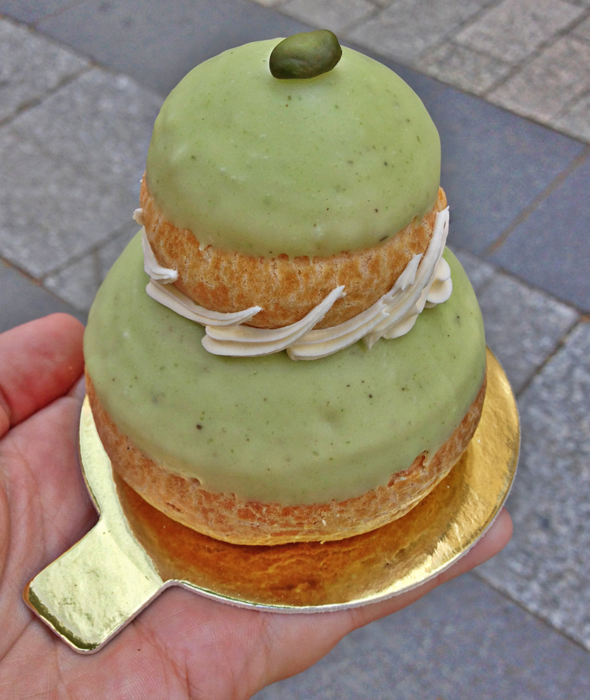 religieuse de pistache en Laduree